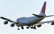 登陆的客机图片