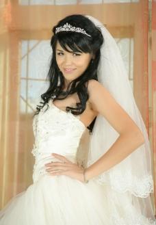 白色婚纱的性感新娘图片