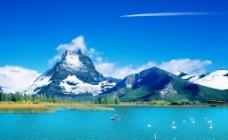 雪山蓝海图片