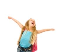高兴的小学生图片
