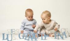 宝宝玩耍图片
