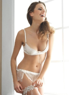 内衣美女图片